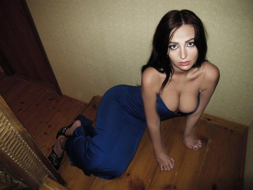 Снять проститутку Вика, Array, у метро , в районе