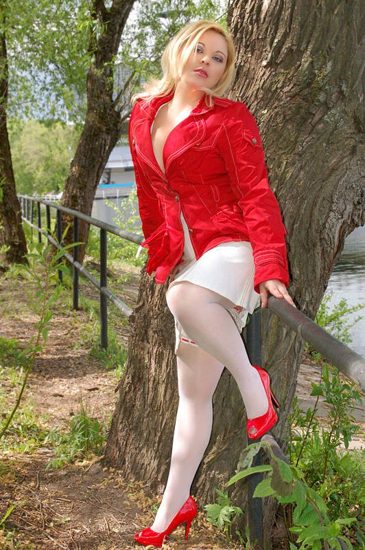 Снять проститутку Саша, Array, у метро , в районе