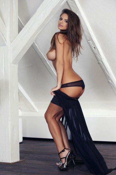 Снять проститутку Даша, , у метро , в районе