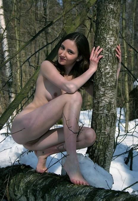 Снять проститутку Юля, Array, у метро , в районе
