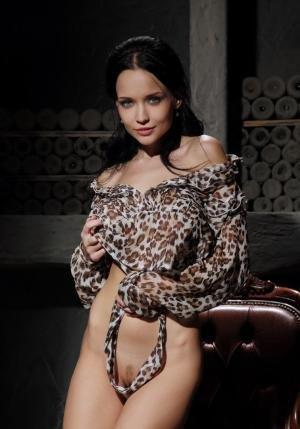 Снять проститутку Анна, Array, у метро , в районе