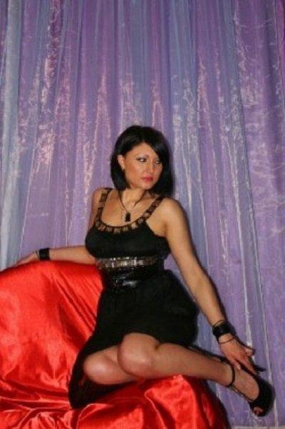 Снять проститутку Регина, Array, у метро , в районе