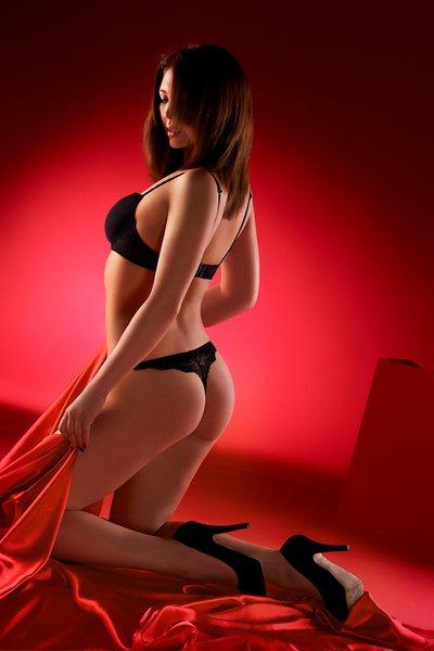 Снять проститутку Ася, Array, у метро , в районе