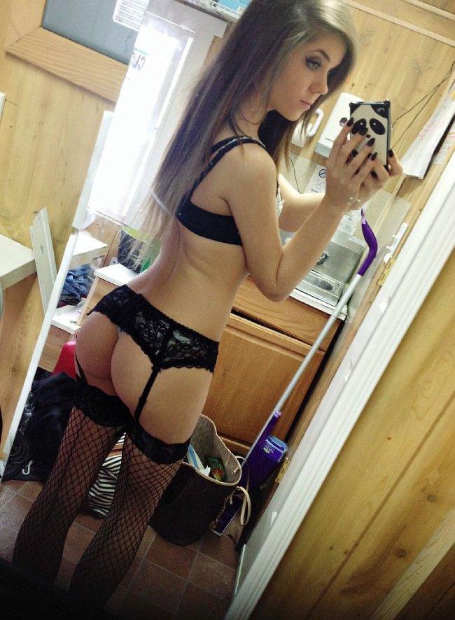 Снять проститутку ксюша, Array, у метро , в районе