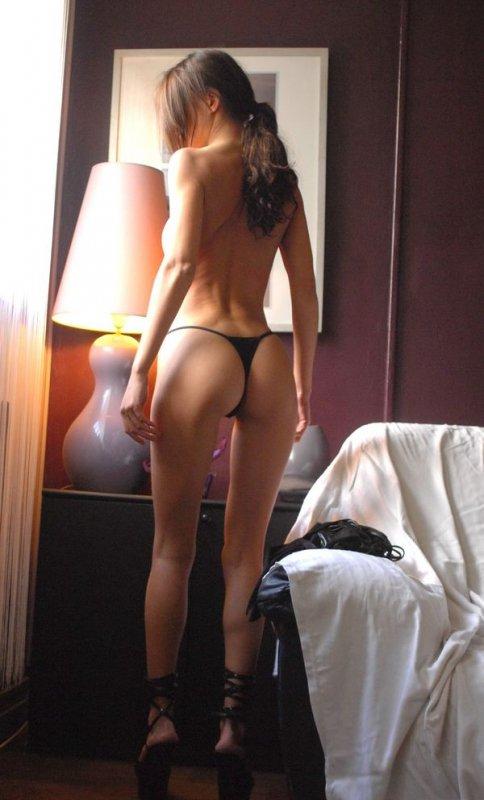 Снять проститутку Валюша, Array, у метро , в районе