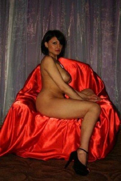 Снять проститутку Регина, , у метро , в районе