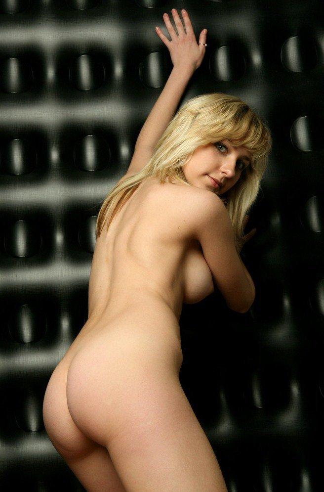 Снять проститутку Виолетта, Array, у метро , в районе