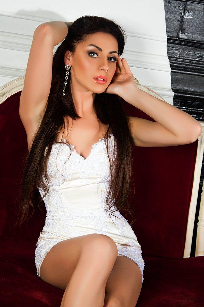 Снять проститутку Соня, Array, у метро , в районе