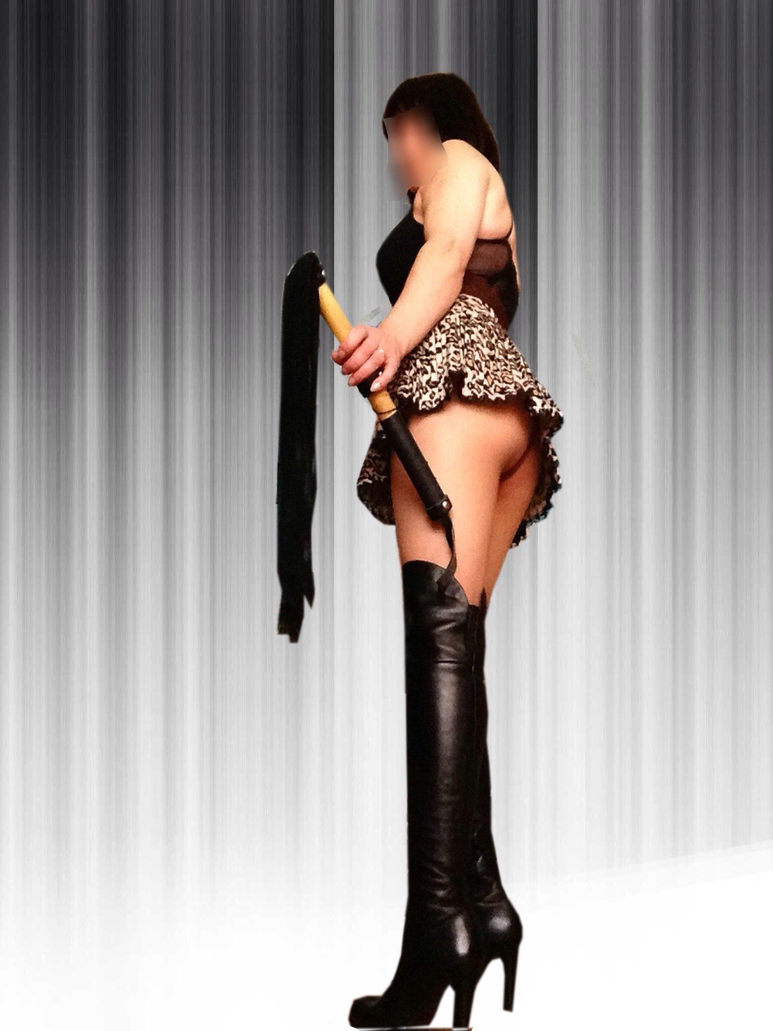 Снять проститутку Вера, Array, у метро , в районе