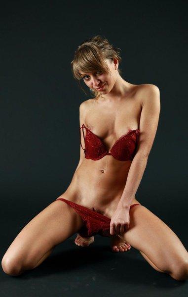 Снять проститутку Лада, Array, у метро , в районе