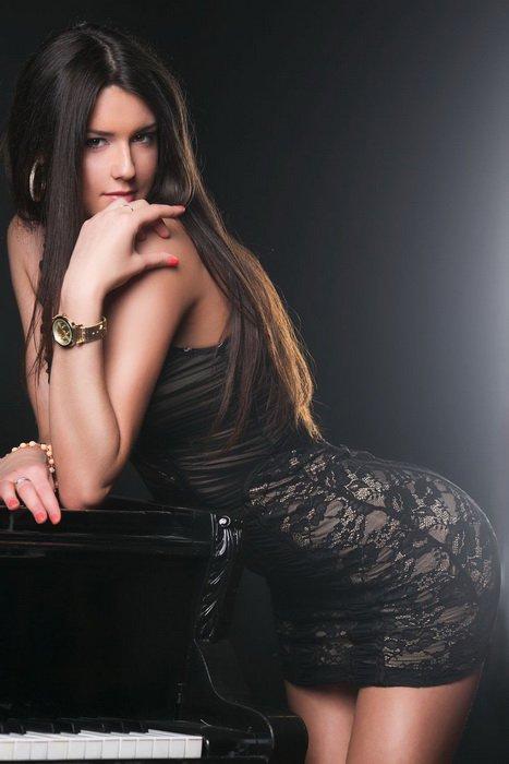 Снять проститутку Алина, Array, у метро , в районе