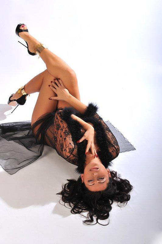 Снять проститутку Лилиана, Array, у метро , в районе