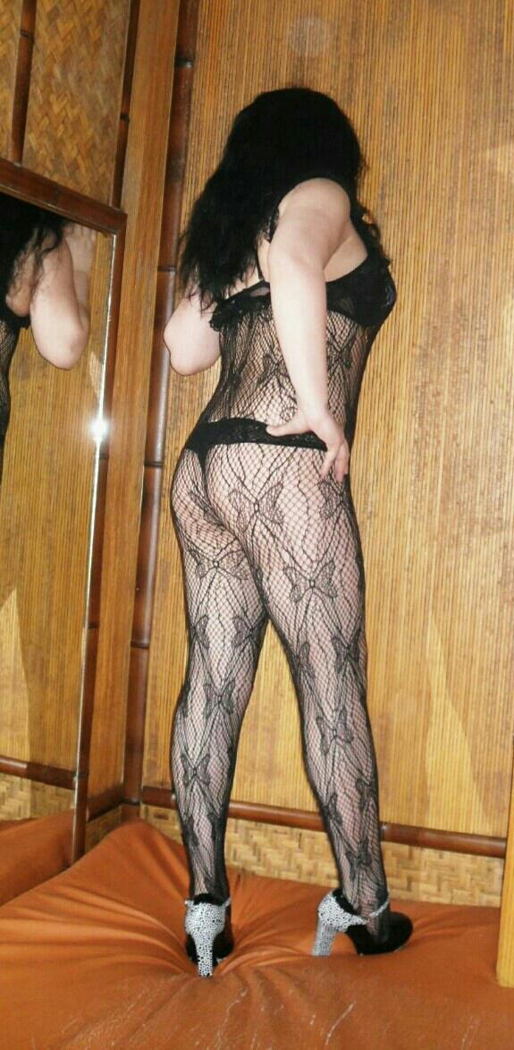 Снять проститутку Госпожа Марго, Array, у метро , в районе
